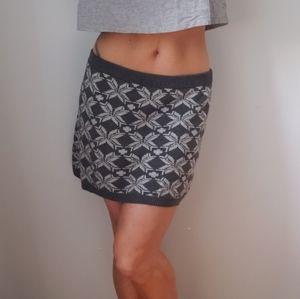 ⭐ 3/$30 Hatley Sweater Skirt Size Medium